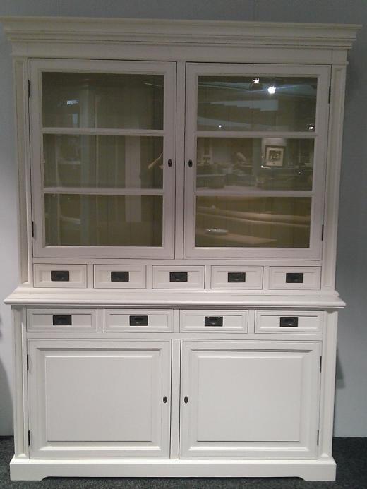 Kitchen Cabinet wit